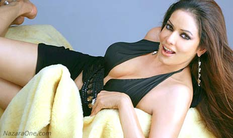 "Poonam… ""I am not Sherlyn Chopra"" ShutUp ?"